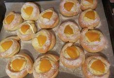 Zobrazit detail - Recept - Zamotané Koláče Russian Recipes, Kefir, Doughnut, Sushi, Muffin, Food And Drink, Peach, Eggs, Fruit