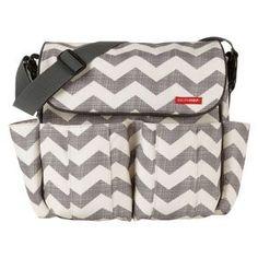 Skip Hop - Dash Messenger Diaper Bag (Chevron/Grey/Off White) Diaper Bags Best Changing Bag, Baby Changing Bags, Changing Mat, Diaper Clutch, Diaper Bag Backpack, Diaper Bags, Baby Bags, Black Queen, Best Diaper Bag