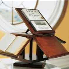 Jeffersonian Five Book Reading Stand