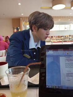 Chat Messenger, Korea Boy, Ulzzang Korea, Kpop Couples, Wattpad, Day6, Winwin, My Sunshine, Taeyong