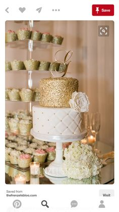 Gold Wedding Cakes Wedding Ideas By Colour: Gold Wedding Cakes - Miniatures and Cupcakes Wedding Cake Roses, Wedding Cupcakes, Glitter Wedding Cakes, White And Gold Wedding Cake, White Gold, Pretty Cakes, Beautiful Cakes, Bolo Cake, Buttercream Wedding Cake