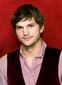 Ashton Kutcher Hairstyle, Makeup, Suits, Shoes and Perfume.