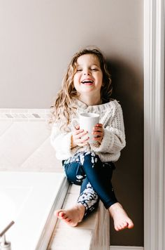 this sweet little /albionfit/ model making our {Mini Antigua Slate Leggings} look fabulous | /albionfit/