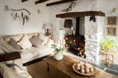 Unique interior design services in Cornwall. Our interior designers focus on the features of your holiday property to transform a property into a unique home. Cottage Living Rooms, Cottage Homes, Cottage Style, Home And Living, Living Spaces, Cozy Living, Diy Home Decor, Room Decor, Style Deco