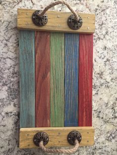 old pallet s for crafting Wood tray made from reclaimed wood from old park bench Pallet Tray, Wood Tray, Pallet Bank, Pallet Crafts, Wooden Crafts, Scrap Wood Projects, Diy Projects, Reclaimed Wood Art, Wood Wood