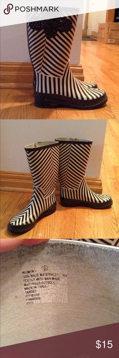 Merona Striped Rain boots Merona Striped Rain boots-size 6. Very Good, used condition. Merona Shoes Winter & Rain Boots