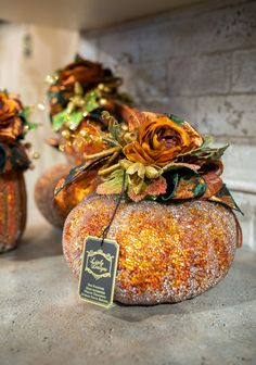 Peruse the most exclusive selection of luxury fall décor in the Chicagoland area at Linly Designs during their Fall Open House Autumn Decorating, Pumpkin Decorating, Halloween Floral Arrangements, Fall Pumpkins, Glass Pumpkins, Painted Pumpkins, Pumpkin Leaves, Autumn Table, Fall Projects