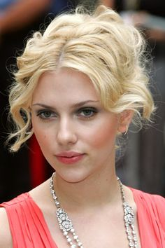 Celebrity Pictures - Celebrity hair Styles and Beauty - Scarlett Johansson changing look (Glamour.com UK)