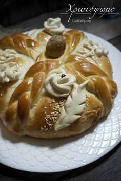 Greek Christmas, Christmas Bread, Days Before Christmas, Cake Icing, Christmas Traditions, Raisin, Good Food, Cooking, Sweet