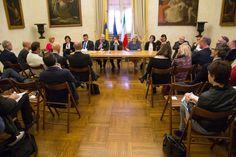 29 Marzo: Visita in città della Giunta della Regione Emilia-Romagna che ha fatto il punto sui prossimi investimenti per il nostro territorio nei settori agroalimentare, turismo, edilizia scolastica e ospedaliera, aeroporto.