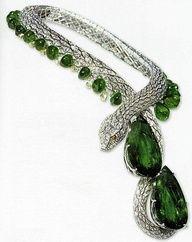 Serpiente con Esmeraldas y Diamantes.