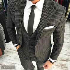 Nice one. Like and comment if you want this! ➡️ @npmusik for more! #sweartee #style #fashion #elegance #attitude #elegant #suit #grey #white #red #grey #model #boss #chic #dapper #office #class #men #male #classy