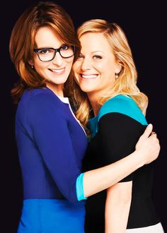 Amy Poehler and Tina Fey. I absolutely LOVE smart and strong women! Pretty People, Beautiful People, Beautiful Women, Amy Poehler, Tina Fey, Celebrity Gallery, Vogue, To Infinity And Beyond, Famous Faces