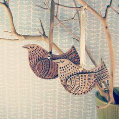 Ceramic bird ornament Scandinavian Mod style by kenguroo on Etsy Ceramic Christmas Decorations, Bird Christmas Ornaments, Clay Ornaments, Christmas Crafts, Snowflake Ornaments, Xmas, Clay Birds, Ceramic Birds, Ceramic Animals