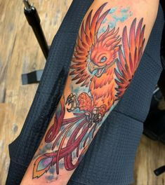The tattooing world has very few favorites. Phoenix bird is one of them. Do you know where this interesting picture comes from? What is the symbolic significance of this awesome picture? Colors Of Fire, Red Words, Just Beauty, Bird Design, Easy Drawings, Tattoo Artists, Cool Tattoos, Tattoo Designs, Colorful Birds