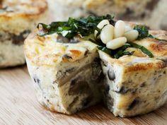 Pilz-Mozzarella-Quiche mit Pinienkernen ist ein Rezept mit frischen Zutaten aus der Kategorie Quiche. Probieren Sie dieses und weitere Rezepte von EAT SMARTER!