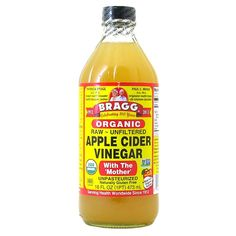 Victoria Beckham uses Bragg organic apple cider vinegar, which can be bought at most super. Apple Cider Vinegar Facial, Apple Cider Vinegar Remedies, Apple Cider Vinegar For Skin, Unfiltered Apple Cider Vinegar, Apple Cider Vinegar Benefits, Body Detox Drinks, Best Way To Detox, Cider Vinegar Weightloss, Packaging