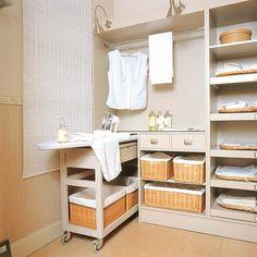 Decora el cuarto de plancha en colores claros y suaves