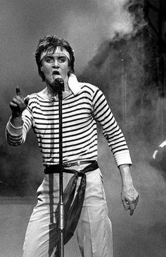 Stripes and headband, live Nigel John Taylor, Roger Taylor, Nick Rhodes, Simon Le Bon, Great Bands, Cool Bands, Birmingham, Boys On Film, New Wave