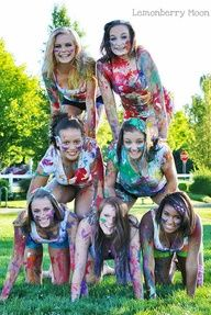 better way of doing the paint tap game, lay out tshirts labeled with names so only hands get dirty Best Friend Pictures, Bff Pictures, Cute Photos, Cousin Photo, Friendship Photography, Paint Fight, Color Wars, Teen Poses, Senior Portraits
