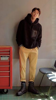 columbiakorea X namjoohyuk Nam Joo Hyuk Tumblr, Nam Joo Hyuk Smile, Nam Joo Hyuk Cute, Korean Boys Hot, Korean Boys Ulzzang, Korean Men, Asian Men, Park Seo Joon, Seo Kang Joon