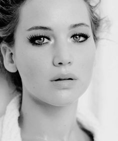 Jennifer Lawrence. What a babe.