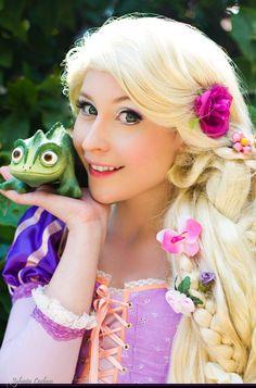 Disney´s Animation Movies. Tangled. Character: Rapunzel. Cosplayer: Laura Salviani 'aka' Nikita 'aka' Tomoyochan. From: Nimes, Paris, France. Photo: Sylvain Leobon Event: Manga Party 2011.
