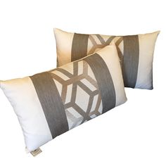 Elaine Smith Outdoor Kidney Pillows   A Pair