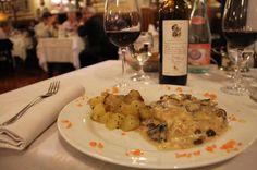 """Bologna é uma cidade ótima para curtir a gastronomia. Na foto, refeição no Cotoleta Donatello - """"As belezas de Bologna na Italia"""" by @Alexandra Aranovich"""