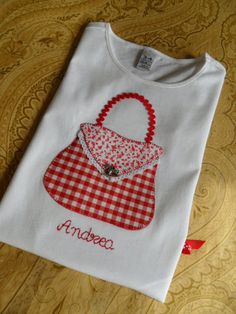 Imaging result for application on motif sweaters – Bag Types Sewing Appliques, Applique Patterns, Applique Designs, Embroidery Designs, Sewing Crafts, Sewing Projects, Girl Dress Patterns, Patch Quilt, Sewing For Kids