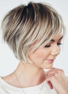 Looking for more cute short bob haircuts to show off for bold hair look? If yes then check out the best ever combo of pixie and bob haircuts for more interesting and cool short hair looks in year Bob Haircuts For Women, Short Layered Haircuts, Haircuts For Fine Hair, Short Bob Hairstyles, Cool Hairstyles, Wedding Hairstyles, Short Bobs, Best Short Haircuts, Medium Hairstyles