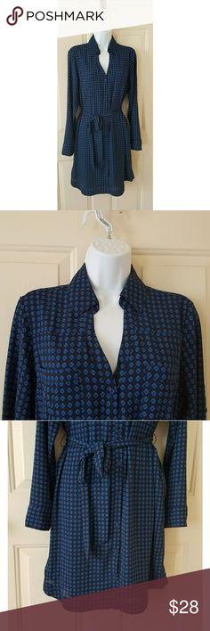 "Express Career Shirt Dress Blue Diamond Size M Great wear to work shirt dress in a subtle blue diamond print. Size M.   100% poluester. Machine was cold.   Measurements  Chest 20"" Length 38"" Sleeve 23.5"" Express Dresses Long Sleeve"