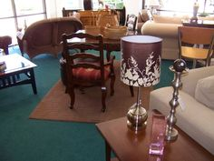 Arranging furnishings in your consignment and resale shop. Avoid this #1 mistake, says Auntie Kate of the TGtbT.com site's Professional Resalers' blog