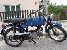 Old Motorcycles, 50cc, Mopeds, Cycling Bikes, Czech Republic, Motorbikes, Mustang, Photo Galleries, Retro