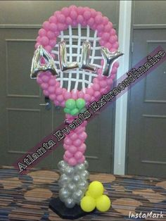 Personalized Balloon Tennis Racket Column www. Balloon Tower, Balloon Display, Balloon Gift, Balloon Wall, Balloon Party, Tennis Decorations, Balloon Decorations, Ballon Arrangement, 30th Birthday Balloons