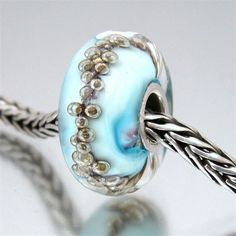 i love the bubbles in this bead!!