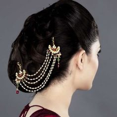 Featuring this beautiful hair accessory with kundan and rodo stones in our wide range of hair accessories. Grab yourself one. Now!