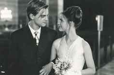 Leonardo DiCaprio & Claire Danes (Williams Shakespeare's Romeo and Juliet 1996) Baz Luhrmann. Photo 20th Century Fox.
