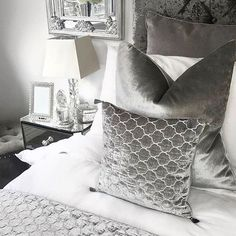 These cushions would go perfect in my bedroom - Architecture and Home Decor - Bedroom - Bathroom - Kitchen And Living Room Interior Design Decorating Ideas - Decor Interior Design, Interior Design Living Room, Room Interior, Bedroom Inspo, Home Decor Bedroom, Flat Lay Photography, First Home, Home Improvement, House Design