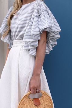 What's Trending Now – 34 Summer Outfits Ideas Casual Summer Fashion Style. Very Light and Fresh Look. The Best of summer outfits in Fashion Details, Look Fashion, Fashion Outfits, Womens Fashion, Fashion Design, Street Fashion, Latest Fashion, Abaya Fashion, Fashion Trends