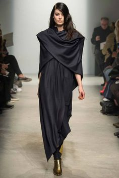 Maison Rabih Kayrouz | Fall 2014 Ready-to-Wear Collection | Style.com
