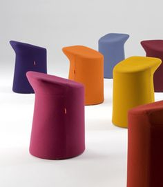 Artifort > Collection > Chairs > Lilla