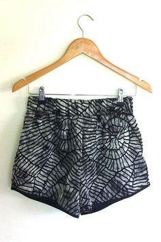 $59 textured print fashion summer short www.beyondthelove.com