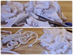 Her er en simpel guide til, hvordan du laver garn af gamle t-shirts, som du kan hækle af. Det er både venligt for miljøet og din pengepung.