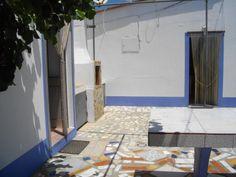 No Monte Pedrinhas. A esquerda a casa das Lapas, Em frente a casa das Rochas, onde moro https://www.facebook.com/AlmogPedrinhas