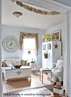 Country Decorating Style in a Farmhouse Family Room - Live Creatively Inspired