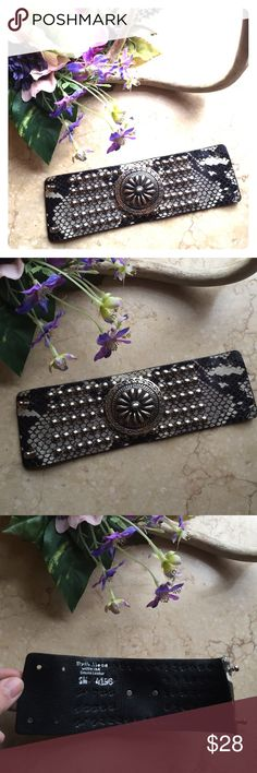 Streets Ahead studded Boho Leather bracelet S Really wild Western/Boho studded leather style snake skin design by Streets Ahead. Fits smaller wrists. Measure 7.5 x 2 1/4. Excellent condition. Jewelry Bracelets