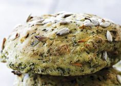 Spinach and carrot rolls! The greens keep them moist and soft, and they are super healthy! Cooking Bread, Easy Cooking, Fodmap, Healthy Snacks, Healthy Recipes, Snack Recipes, Cooking Recipes, Sandwiches, Danish Food