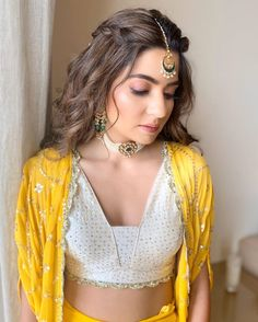When the bridal radiance is all about sunshine & sparkle! Bridal Hairstyle Indian Wedding, Indian Bridal Outfits, Indian Wedding Hairstyles, Bollywood Hairstyles, Hairstyles With Lehenga, Designer Party Wear Dresses, Indian Designer Outfits, Saree Blouse Designs, Lehenga Designs