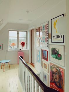 7 Gallery Walls For Every Room – And A Fail-Safe Way To Hang Art! (my scandinavian home) 7 Gallery Walls For Every Room – And A Fail-Safe Way To Hang Art!